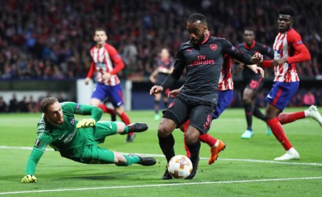 Diego Costa toa sang phut bu gio, Arsenal ngam ngui roi Europa League hinh anh 19