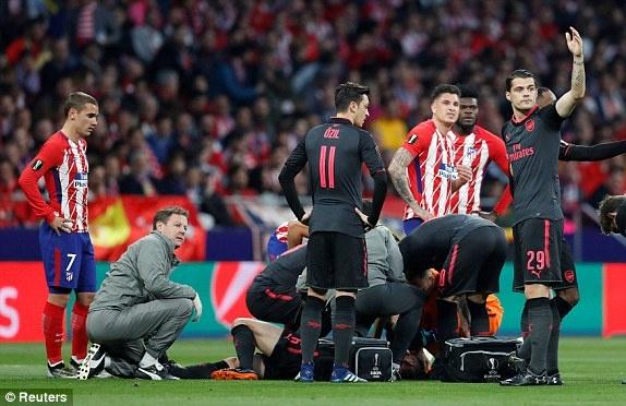 Diego Costa toa sang phut bu gio, Arsenal ngam ngui roi Europa League hinh anh 18