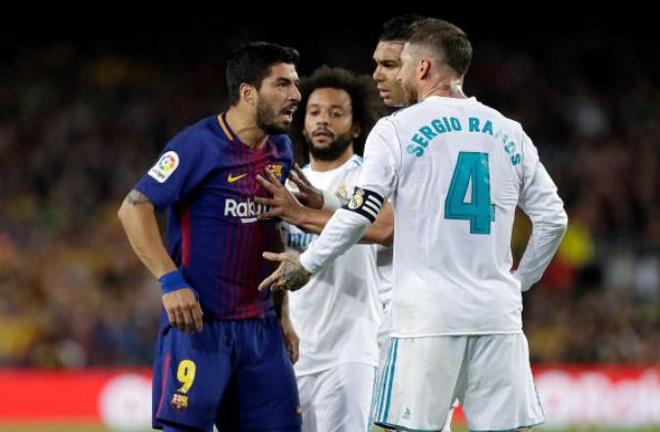 Marcelo: 'Ai cung biet Suarez an va, sao phai dung bong?' hinh anh