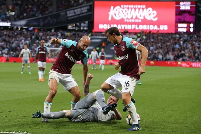 De Gea lan dau gianh Gang tay vang sau tran hoa West Ham hinh anh 2