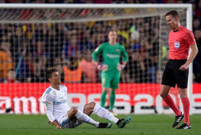 Tro lai tap luyen, Ronaldo san sang ra san o Champions League hinh anh 1