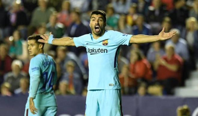 Thua Levante 4-5, Barca vo mong bat bai o La Liga hinh anh