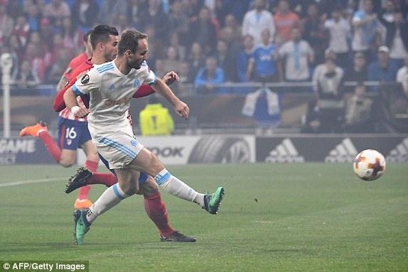 Griezmann lap cu dup giup Atletico Madrid dang quang Europa League hinh anh 12