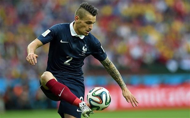 Martial, Lacazette va doi hinh sao Phap ngoi nha xem World Cup hinh anh 2