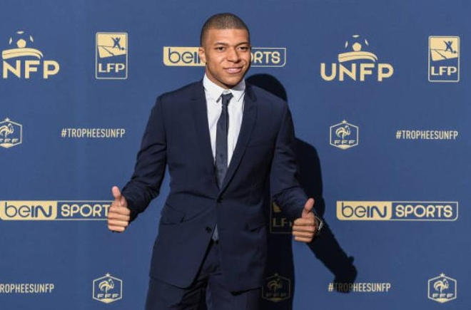 Mbappe duoc dung tuong sap o tuoi 19 hinh anh 7