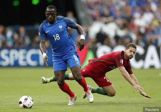 Martial, Lacazette va doi hinh sao Phap ngoi nha xem World Cup hinh anh 7