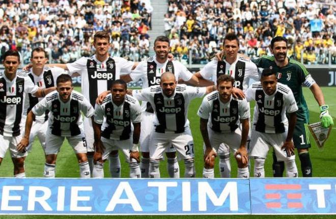 Buffon khoc nghen trong ngay chia tay Juventus hinh anh 1