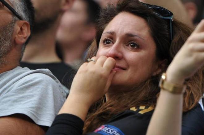 Buffon khoc nghen trong ngay chia tay Juventus hinh anh 10