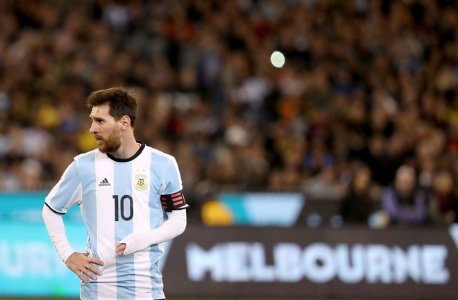 Ban quyen World Cup dat qua, mua nua hay thoi? hinh anh