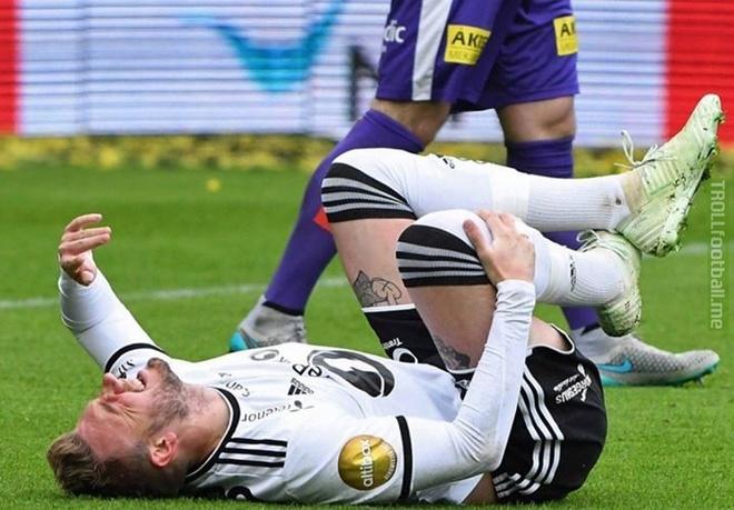 'Lord' Bendtner chan thuong nang, CDV doi hoan World Cup hinh anh