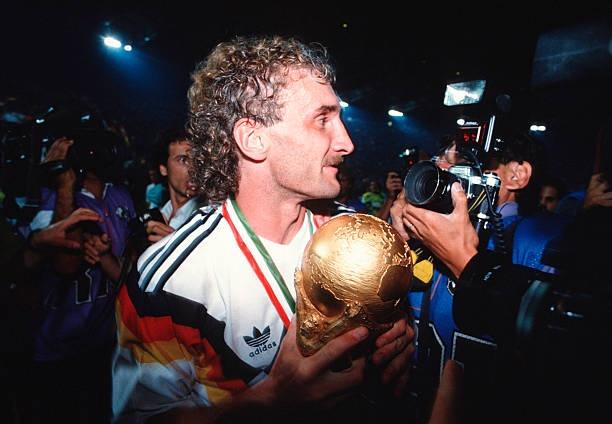 Ronaldo, Baggio va nhung kieu toc quai di nhat lich su World Cup hinh anh 5