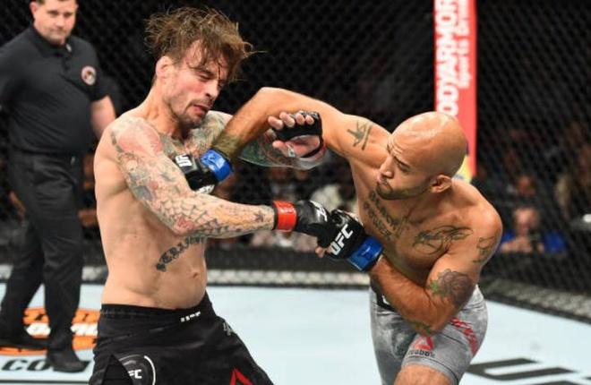 Highlights UFC 225: CM Punk vs Mike Jackson hinh anh