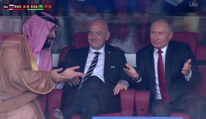 Tong thong Putin bieu cam hai huoc trong tran thang 5 sao cua Nga hinh anh