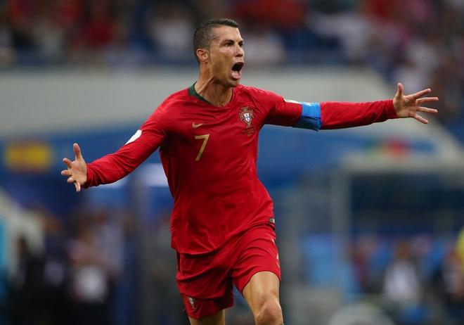 Ronaldo noi bat o doi hinh hay nhat luot 1 vong bang World Cup 2018 hinh anh