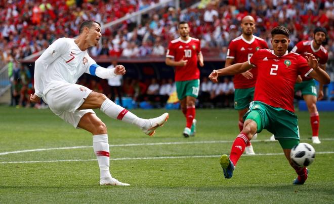 Ronaldo toa sang, Bo Dao Nha nhoc nhan vuot ai Morocco hinh anh 19