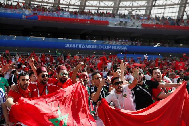 Ronaldo toa sang, Bo Dao Nha nhoc nhan vuot ai Morocco hinh anh 14