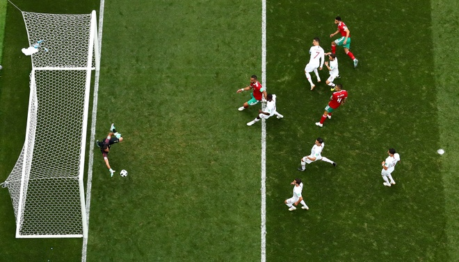 Ronaldo toa sang, Bo Dao Nha nhoc nhan vuot ai Morocco hinh anh 30