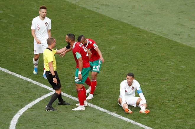 Morocco,  Ronaldo,  VAR,  trong tai VAR,  Mark Geiger,  World Cup 2018,  World Cup,  Cuu trong tai FIFA,  Dinh Van Dung,  mat lien lac VAR anh 2