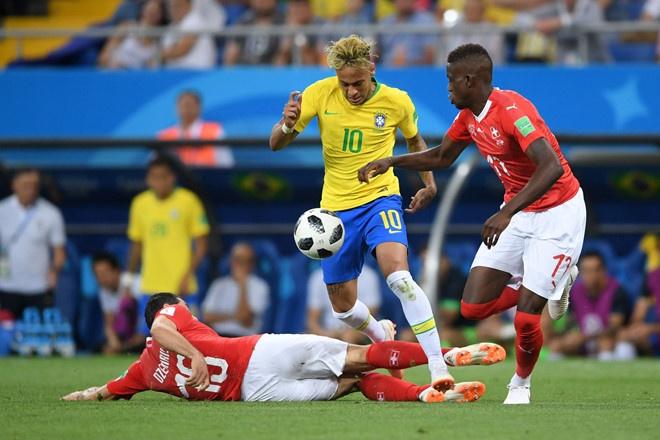 Bung no phut bu gio, Brazil tien Costa Rica roi World Cup hinh anh 3