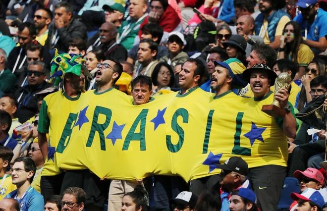 Bung no phut bu gio, Brazil tien Costa Rica roi World Cup hinh anh 23