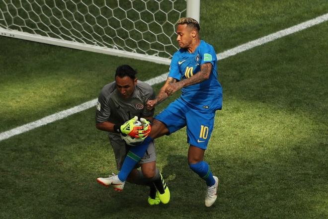 Bung no phut bu gio, Brazil tien Costa Rica roi World Cup hinh anh 31