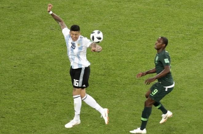 Vi sao trong tai khong cho Nigeria huong 11 m anh 1