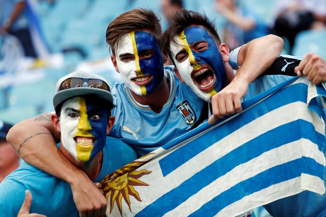 Thua Uruguay, Ronaldo theo chan Messi roi World Cup hinh anh 4