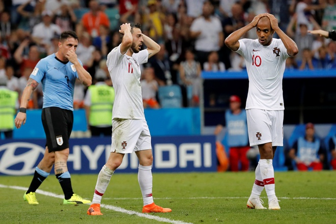 Thua Uruguay, Ronaldo theo chan Messi roi World Cup hinh anh 36