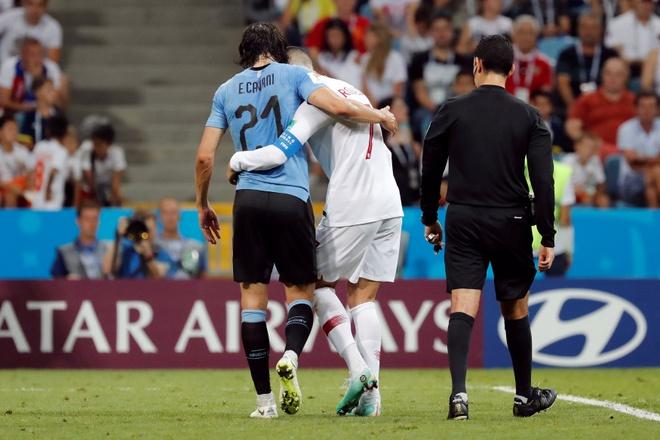 Thua Uruguay, Ronaldo theo chan Messi roi World Cup hinh anh 37