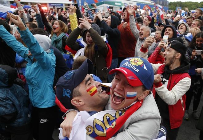 Tay Ban Nha 1-1 Nga (pen 3-4): 'La Roja' cui dau roi World Cup hinh anh 32