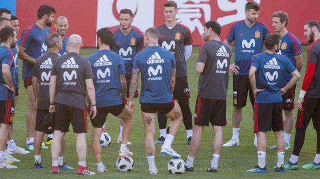 Tay Ban Nha 1-1 Nga (pen 3-4): 'La Roja' cui dau roi World Cup hinh anh 2