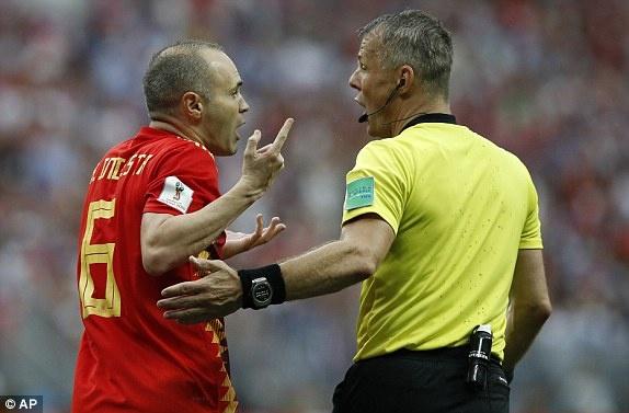 VAR lai gay tranh cai vi tu choi cho Tay Ban Nha huong penalty hinh anh 3