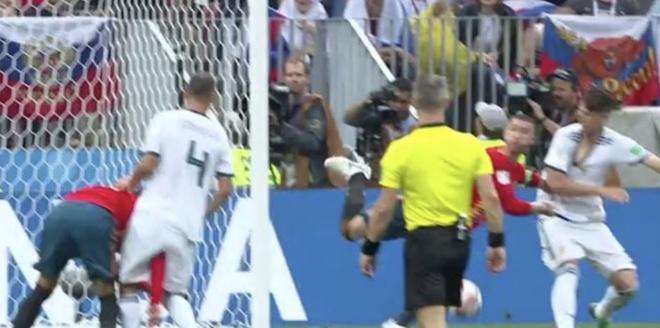 VAR lai gay tranh cai vi tu choi cho Tay Ban Nha huong penalty hinh anh 2