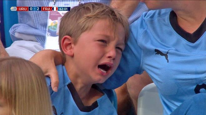 CDV nhi Uruguay khoc sau sai lam cua thu mon Muslera hinh anh