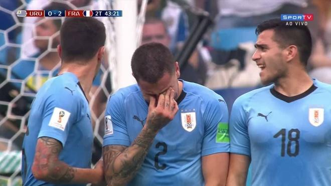 CDV nhi Uruguay khoc sau sai lam cua thu mon Muslera hinh anh 4