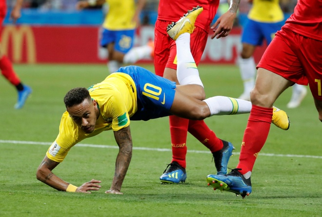 Trong tai duoc ca ngoi vi 3 lan tu choi cho Brazil huong penalty hinh anh 2