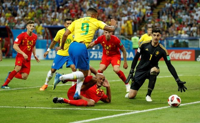 Trong tai duoc ca ngoi vi 3 lan tu choi cho Brazil huong penalty hinh anh 3