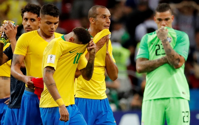 Trong tai duoc ca ngoi vi 3 lan tu choi cho Brazil huong penalty hinh anh 13