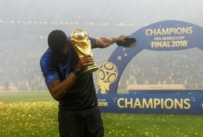Pogba hat 'It's coming home' che gieu nuoc Anh hinh anh