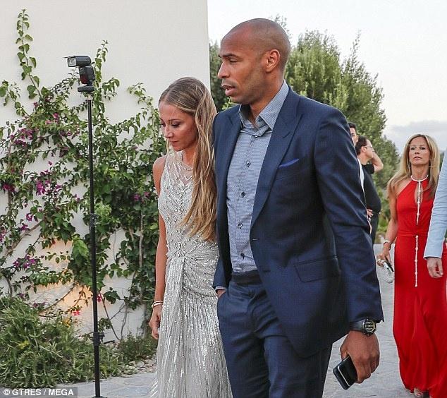 Messi, Henry va dan sao du le ky niem cua Fabregas hinh anh 6