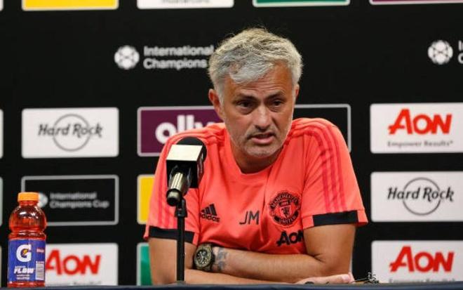 HLV Mourinho phan nan vi Martial khong tro lai My hinh anh 2