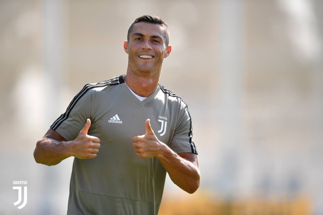Ronaldo rang ro trong buoi tap dau anh 4