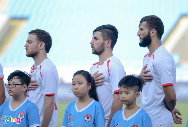 U23 Oman 1-1 U23 Palestine: Tien ve nhan the do ngay sau khi ghi ban hinh anh 4
