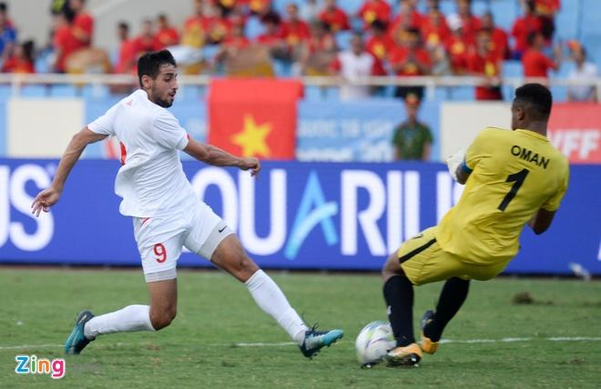 U23 Oman 1-1 U23 Palestine: Tien ve nhan the do ngay sau khi ghi ban hinh anh 8
