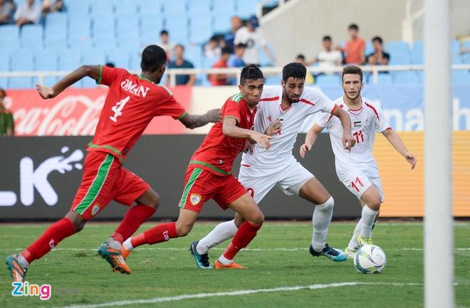 U23 Oman 1-1 U23 Palestine: Tien ve nhan the do ngay sau khi ghi ban hinh anh 9