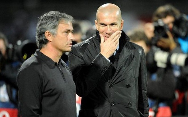 Zidane muon thay Mourinho dan dat Man Utd? hinh anh 1