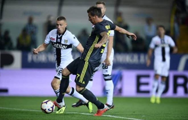 Ronaldo lac long trong tran thang thu 3 cua Juventus tai Serie A hinh anh 12