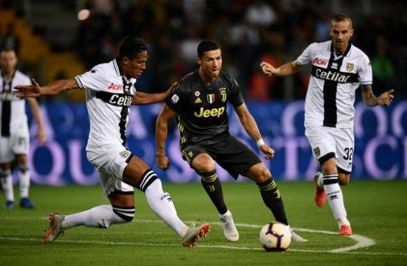 Ronaldo lac long trong tran thang thu 3 cua Juventus tai Serie A hinh anh 14
