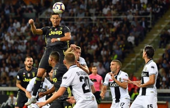 Ronaldo lac long trong tran thang thu 3 cua Juventus tai Serie A hinh anh 15