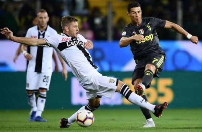 Ronaldo lac long trong tran thang thu 3 cua Juventus tai Serie A hinh anh 18